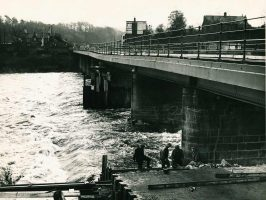 Repairing Wylam Bridge in January 1958