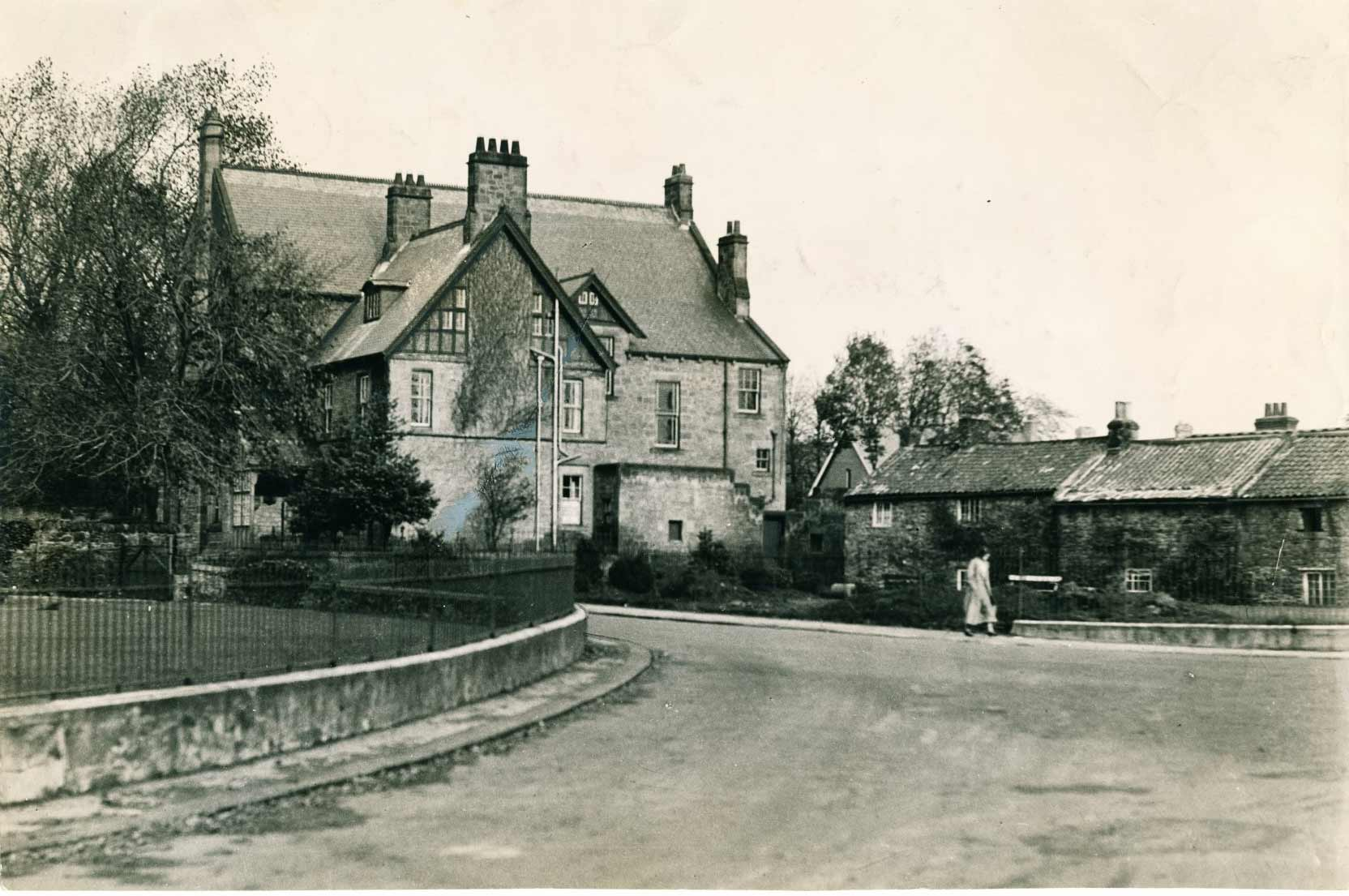 View of Wylam Institute and 'Charlie's corner in February 1937